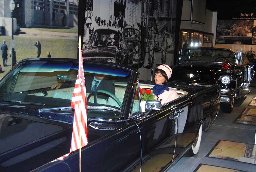A Jackie Kennedy Manequin rides in the Lincoln phaeton.