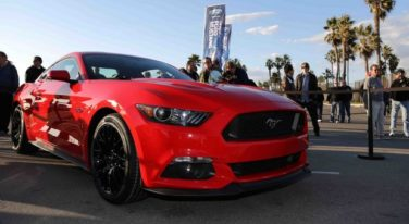 Community Reacts to 2015 Ford Mustang