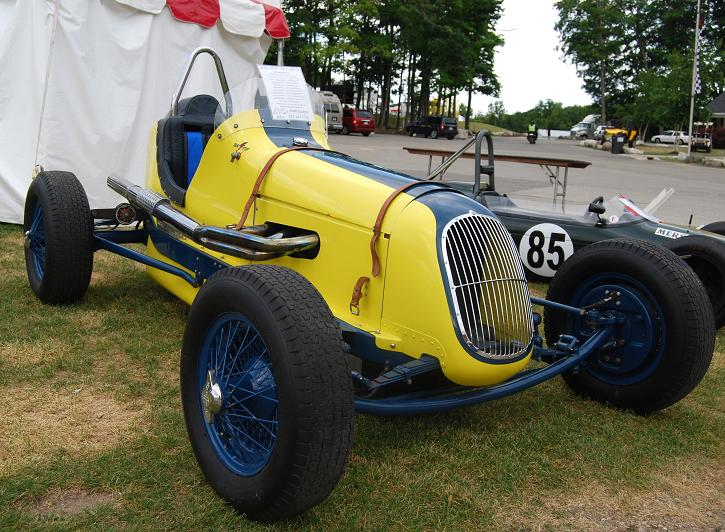 The 1938 HAL sprint car is finished in an eye-catching yellow and blue combination.