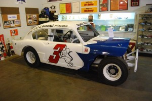 "Legendary Wisconsin driver Miles ""The Mouse"" Melius tried the lightweight Aero Willys for racing in the mid-'50s."