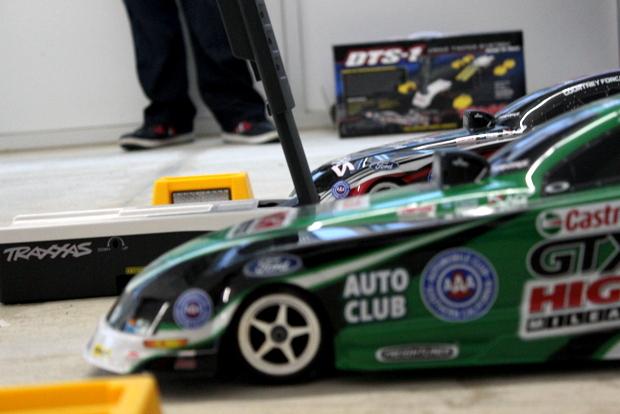 Traxxas NHRA Funny Cars Drag Race