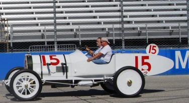 The Cutting: Wild Bob Burnman and the First Taper Tail Racer