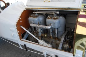The Wisconsin four-cylinder engine has a pair of  two-cylinder jugs