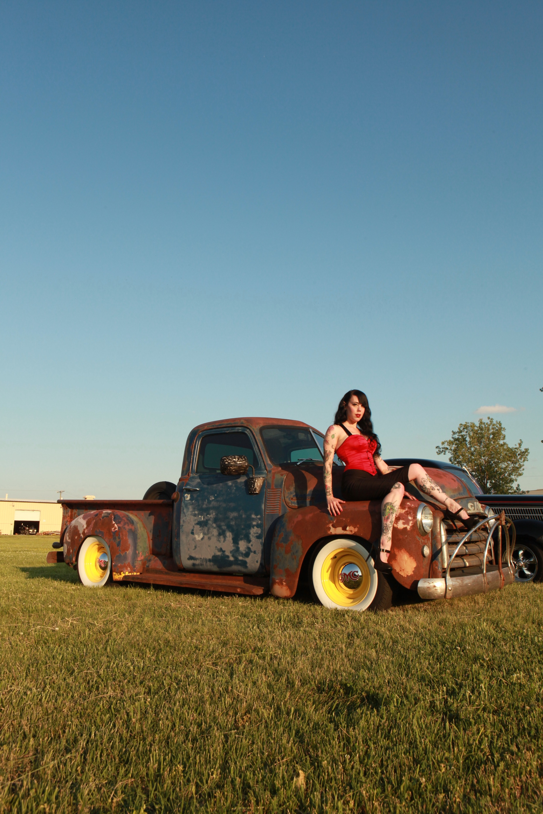 Pin Ups, Hot Rods, and Americana Rock the Country Music Capitals 10