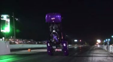 [VIDEO] Electric Golf Cart Dragster Flips Immediately on Launch