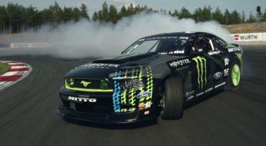 [VIDEO] - Insane Super Drift by Vaughn Gittin Jr.