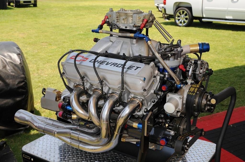 1280px-NASCAR_motor
