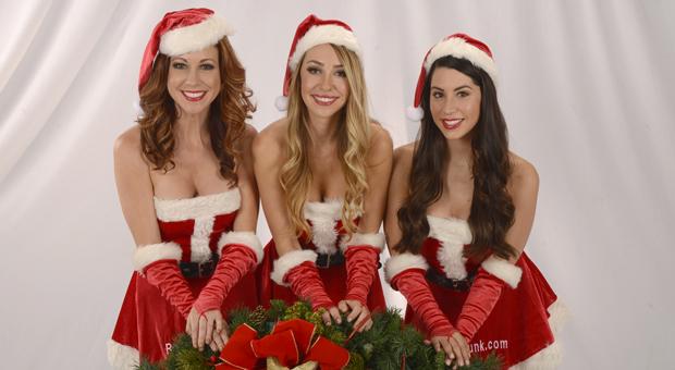 Santa_girls_2015 feature