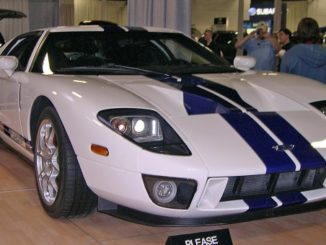 2005_Ford_GT_Feature