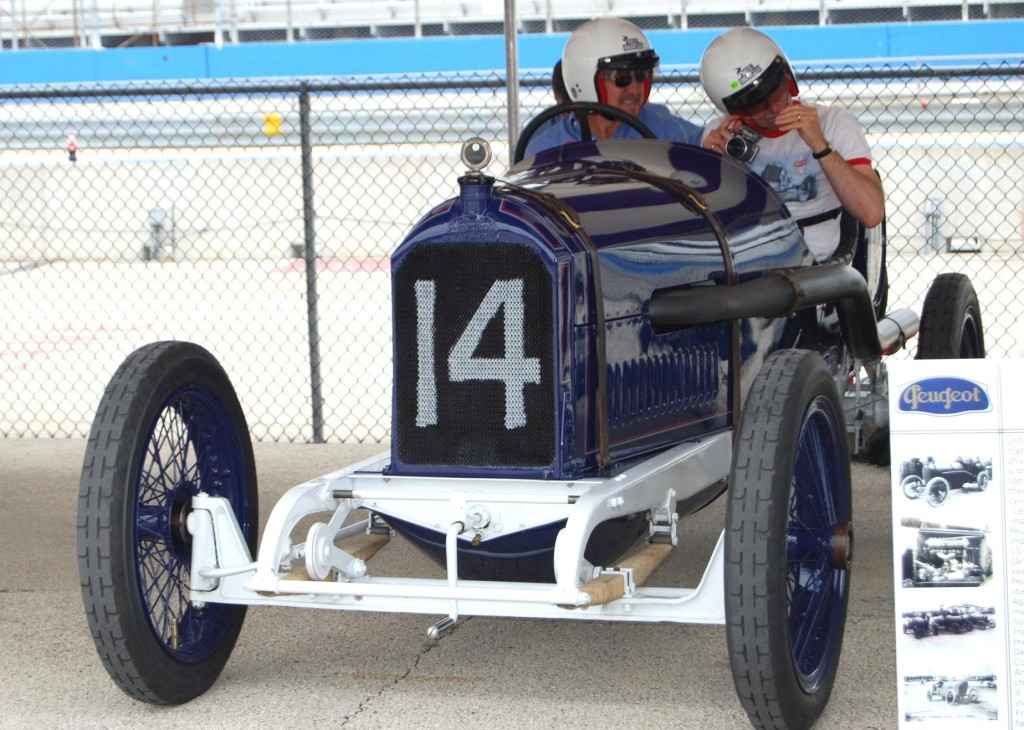 Two-man racing cars were the trend in 1913.