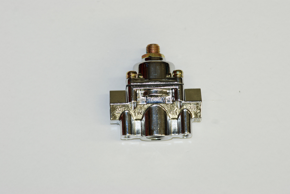 The smallest of the carburetor regulators in our selection is the 12-803.  It has a range of 4.5-9-PSI and it's equipped with 3/8-inch NPT ports.