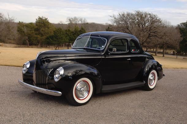 Photo: http://www.autotraderclassics.com/car-article/Street+Rod+Icons+_+1939_1940+Ford+Coupes-72705.xhtml