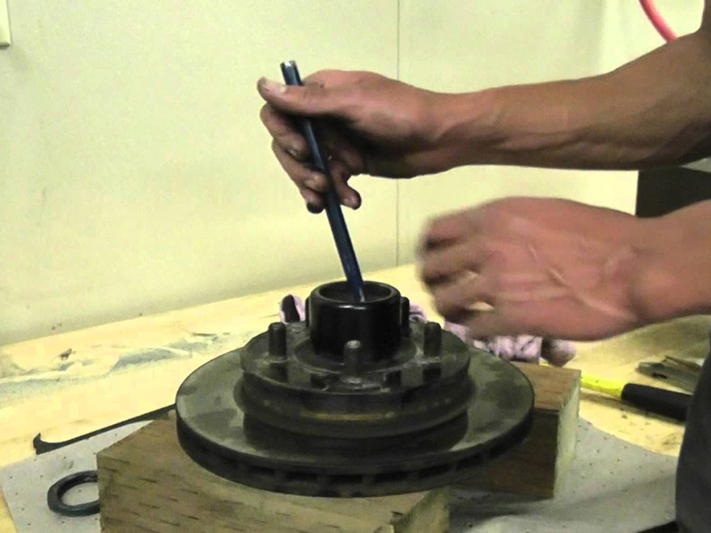 How to Pack Wheel Bearings, and Change Bearing Races, changing bearings