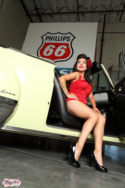 Pinup of the Week: Miss Sophie Valentine