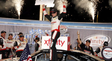 Cagey Keselowski Beats Jones for Kentucky 300 Win