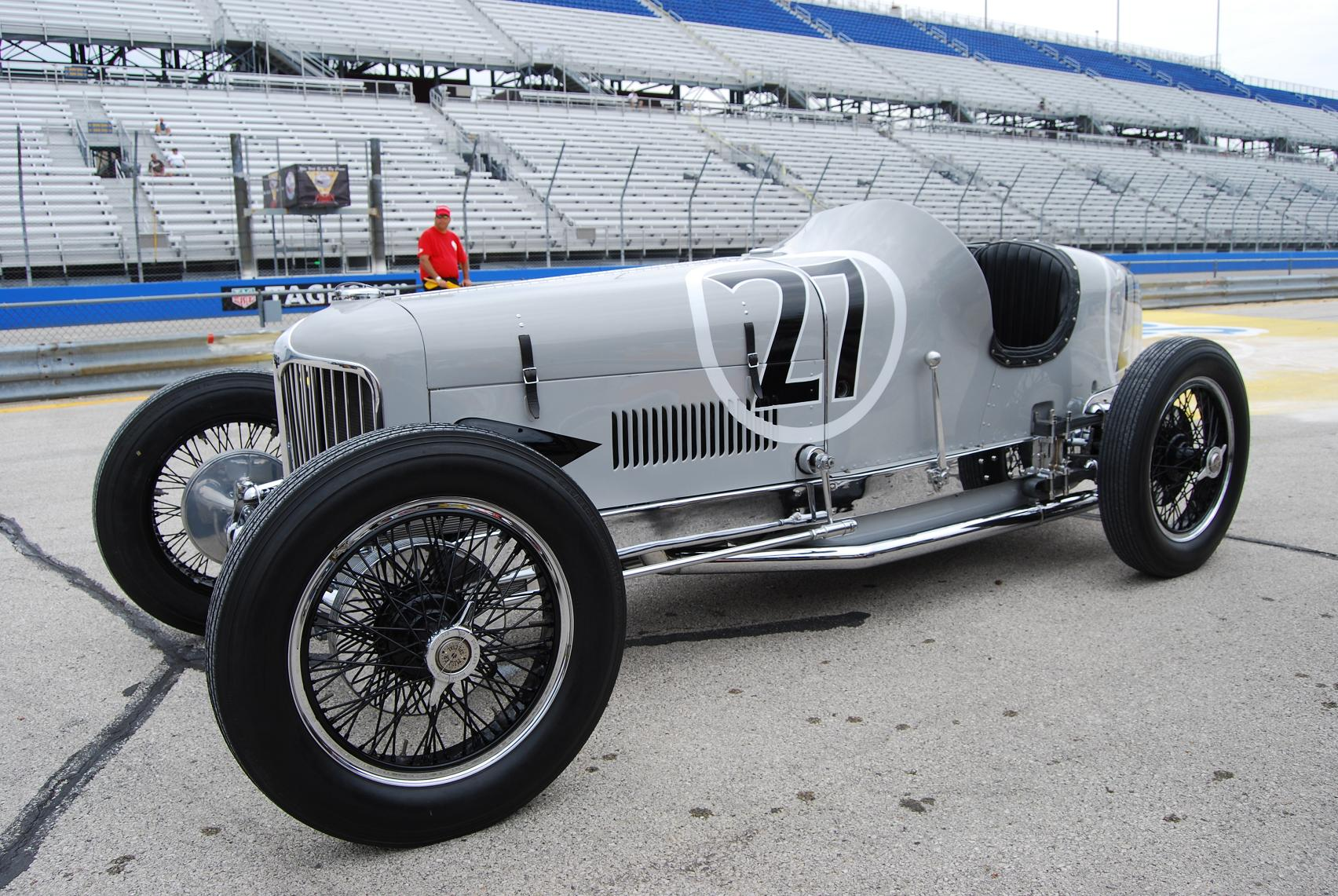 Indy Meets Indy Relics And Racers Meet In Milwaukee