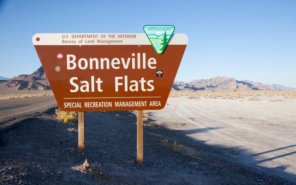 2012-bentley-mulsanne-bonneville-salt-flats