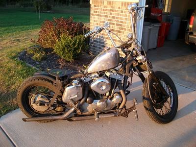 19263395-868-1976-old-school-harley-davidson-rat-bike