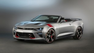 2015-SEMA-Chevrolet-Camaro-SS-Red-Accent-029