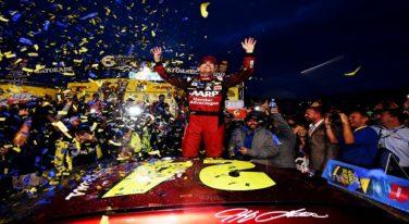 Kenseth's Revenge Sends Gordon to the NASCAR Sprint Cup Championship Round