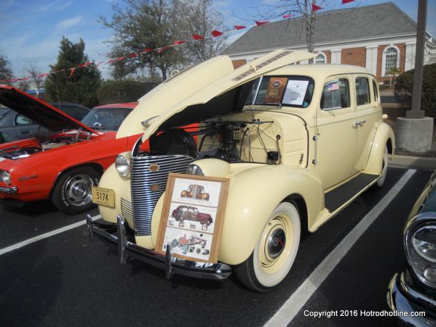 Denny's Car Cruise