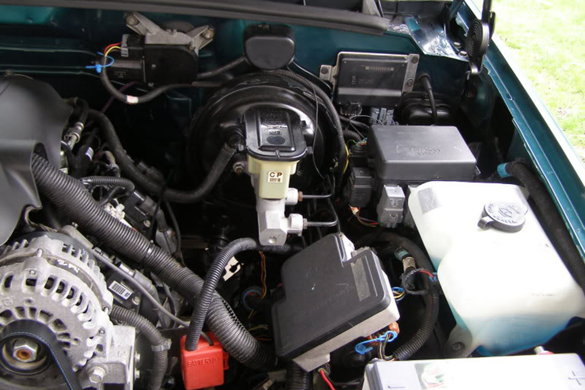 1995 Chevy Silverado 57 Engine