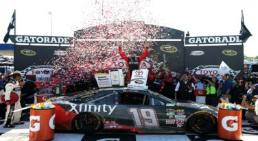 Carl Edwards Charges to the Win at Toyota Owners 400