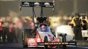 2016_Doug_Kalitta_Action_Feature