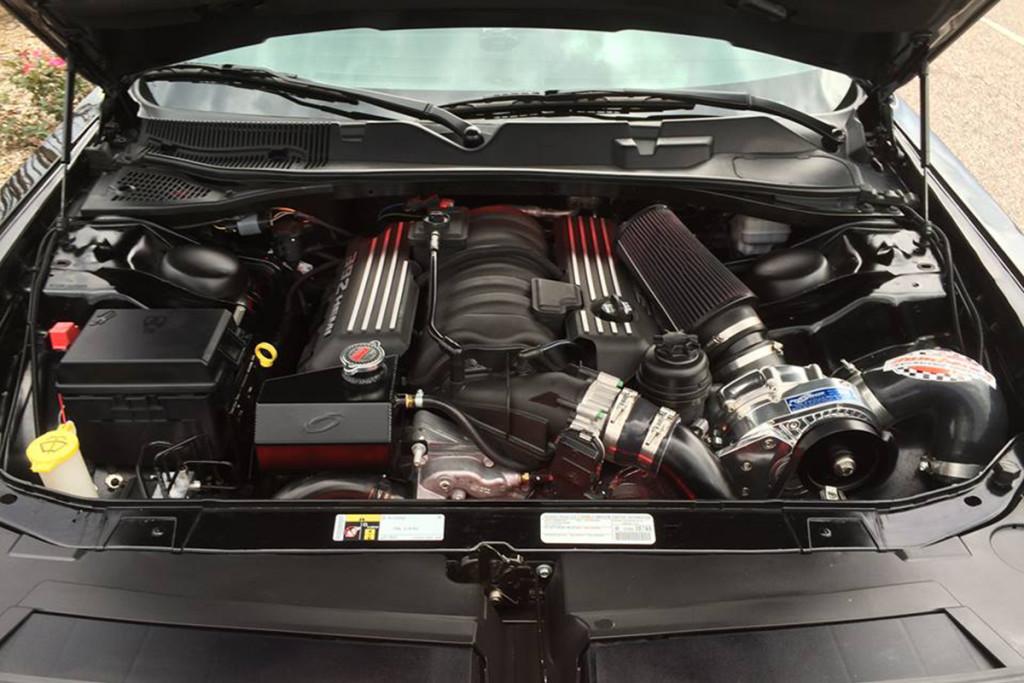 Challenger SRT/8