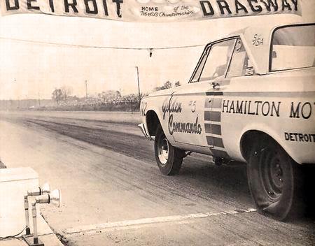 DetroitDragway1965GoldenCommandos
