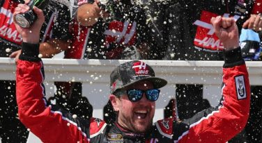 Kurt Busch Wins NASCAR Sprint Cup Axalta 400 in Fuel Saving  Finish