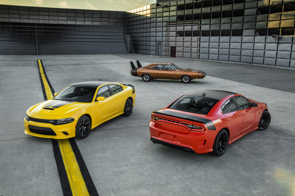 dodge debuts new 2017 charger and challenger models at woodward dream cruise racingjunk news. Black Bedroom Furniture Sets. Home Design Ideas