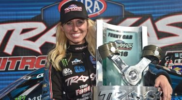 Courtney Force wins TRAXXAS Shootout