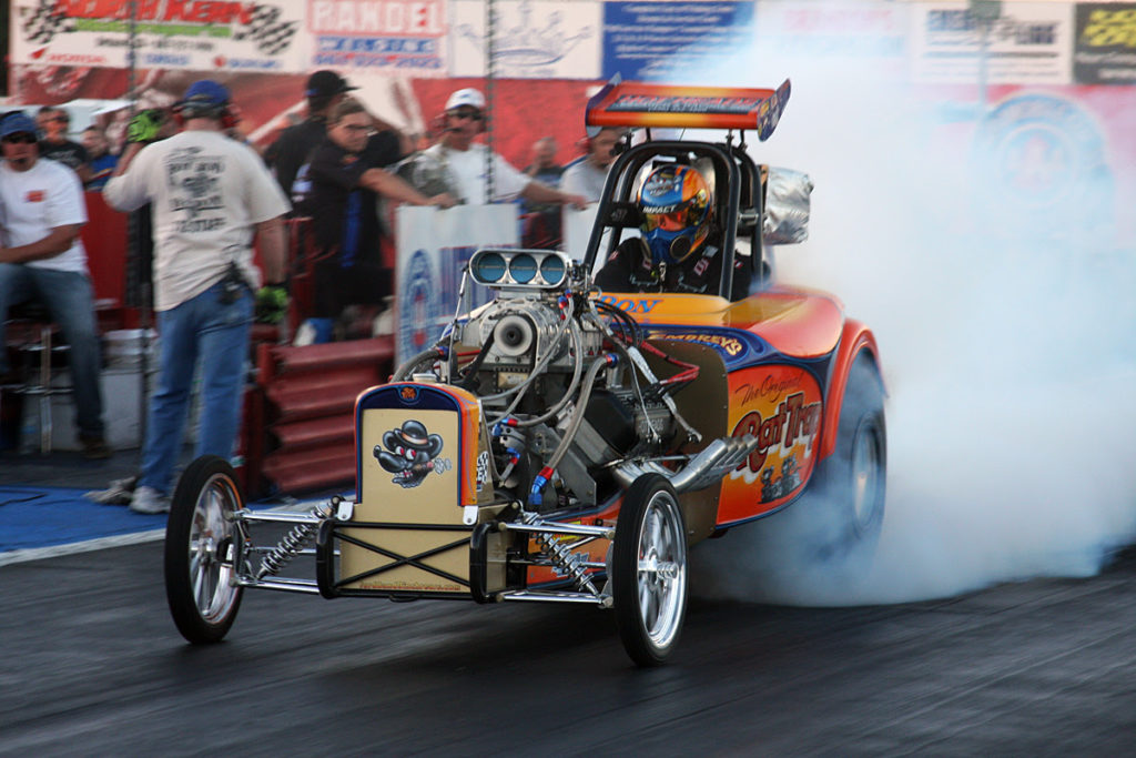 Quarter Mile Foundation teams with Rat Trap Racing at 2016 SEMA Show
