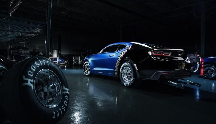2017-COPO-Chevrolet-Camaro-Rear-720x416
