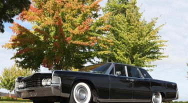 Paul Barnes' MetalWorks built '65 Lincoln Continental Means Business