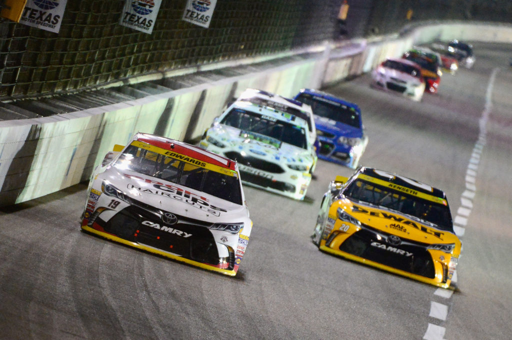 Carl Edwards leads a pack of cars.  (Photo by Robert Laberge/Getty Images)