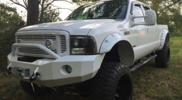 Today's Cool Car Find is this 2004 Custom Lifted F250