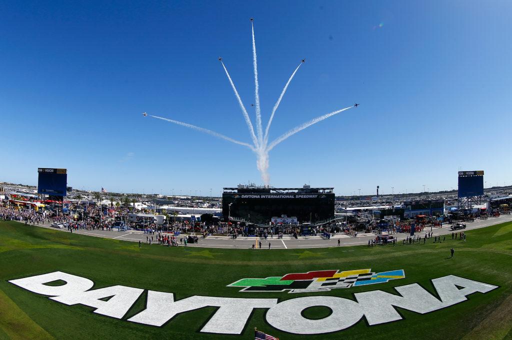 Kurt Busch Stretches Fuel to Win First Daytona 500