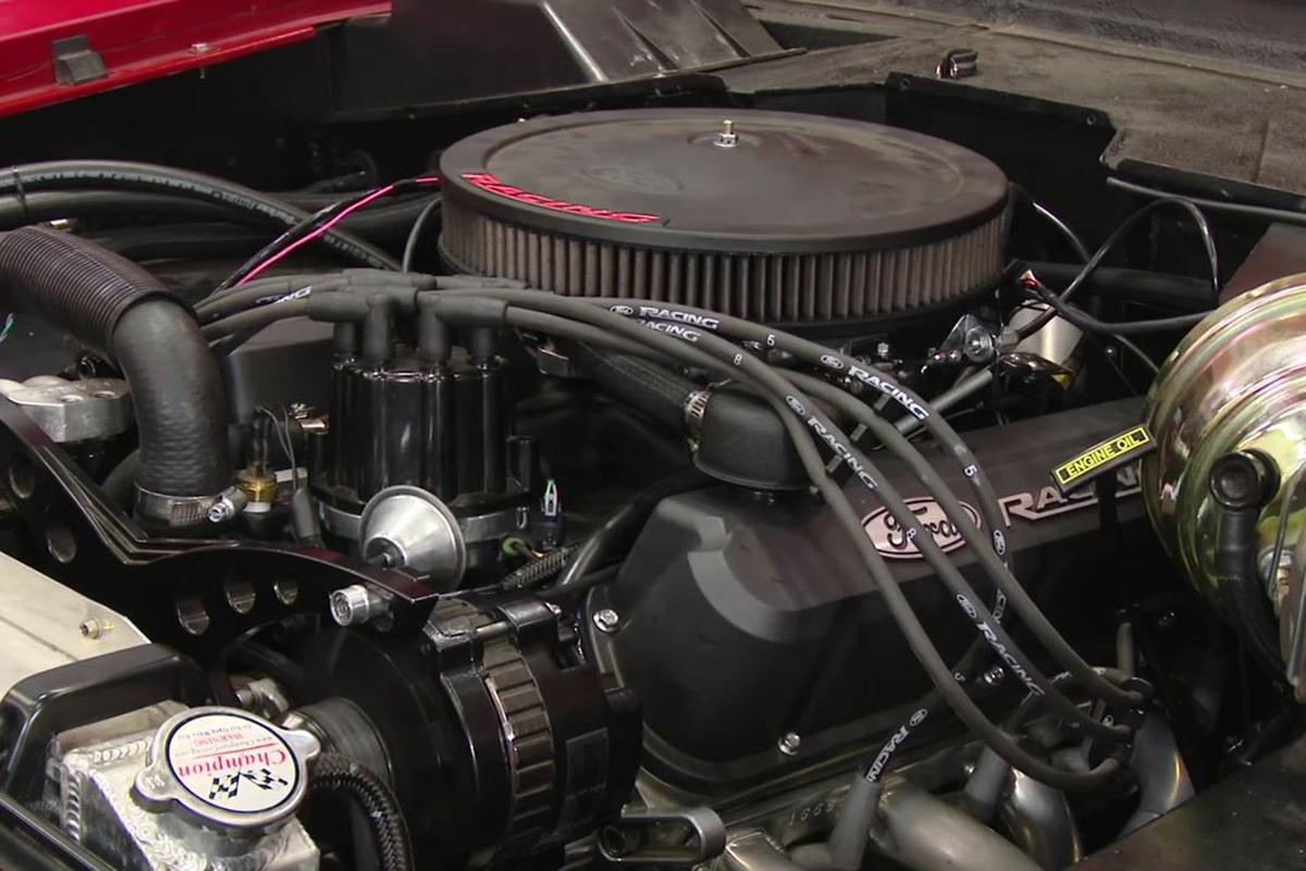 Edelbrock Performer amp Thunder Series Carburetor Chrome