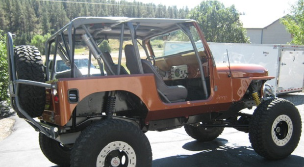 Today's Cool Car Find is this 985 Jeep CJ-7 Rock Crawler