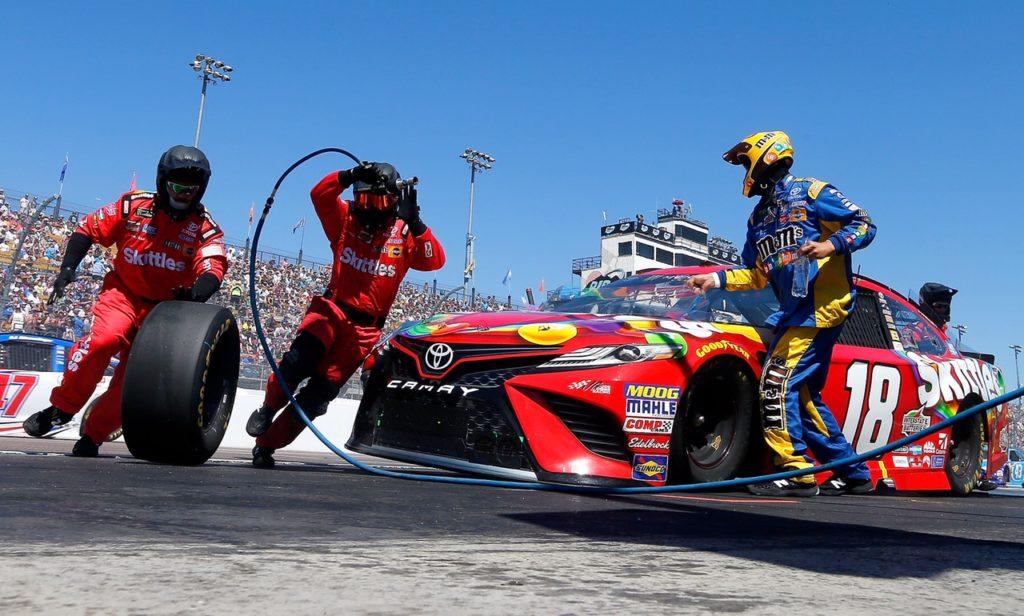 NASCAR Heats Up in Phoenix
