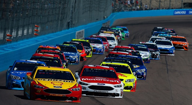 NASCAR Heats Up in Phoenix