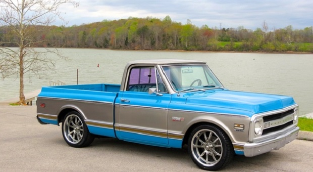 Today's Cool Car Find is this 1969 Chevrolet C10