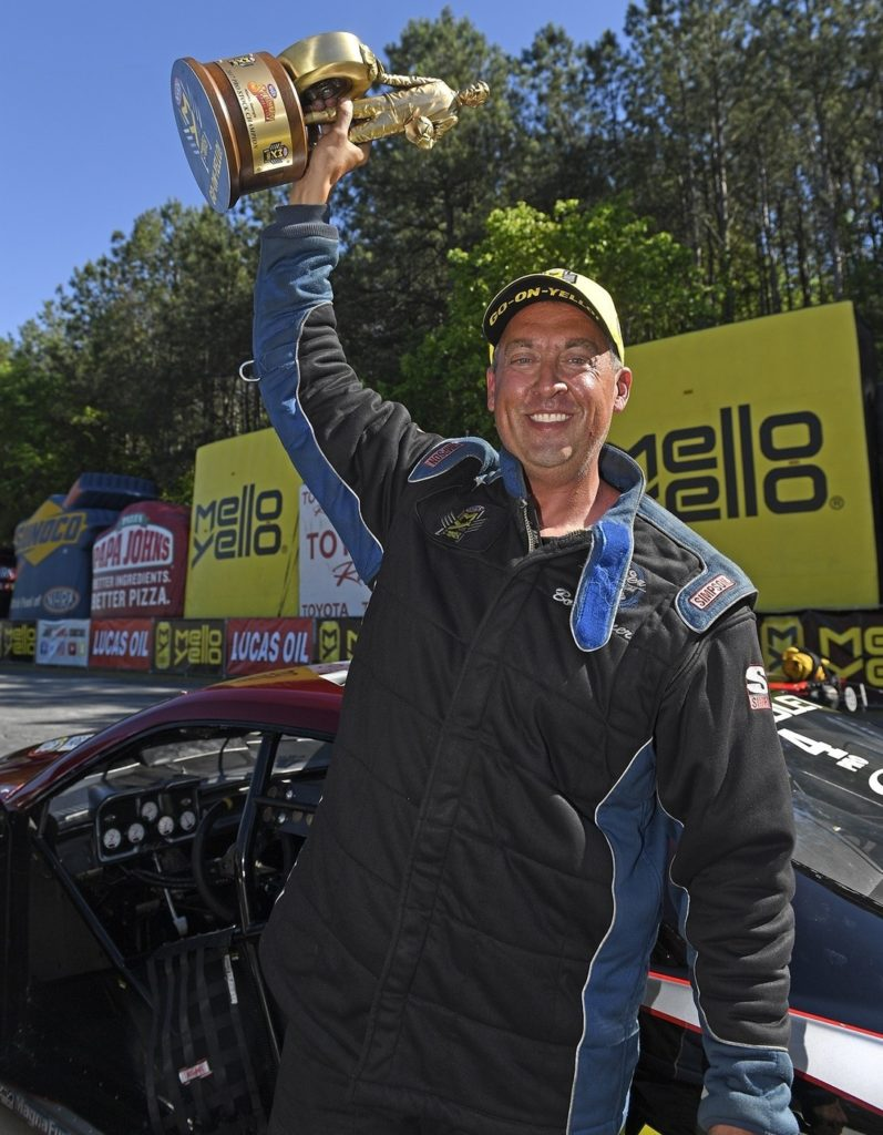 Torrence and Capps Repeat Victories at Lucas Oil NHRA Southern Nats