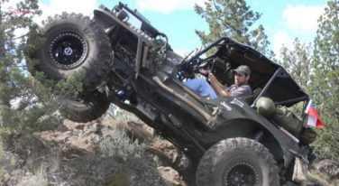 5.3 Vortec in a Willys Made for Rock Climbing