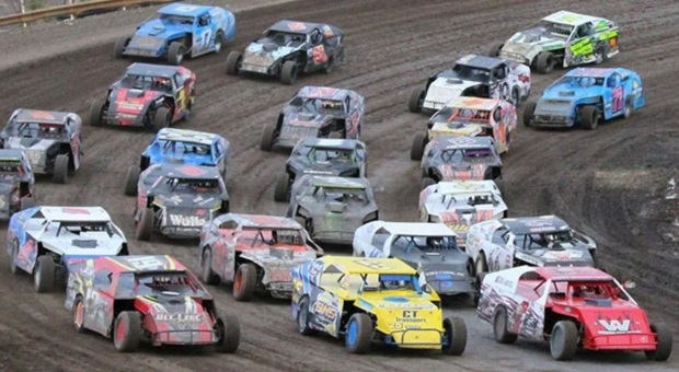 The Challenges of Dirt Ovals and their Paved Counterparts