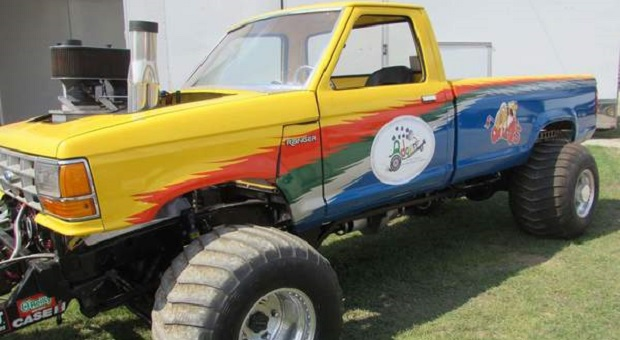 Today's Cool Car Find is this Modified 4wd Pulling Truck