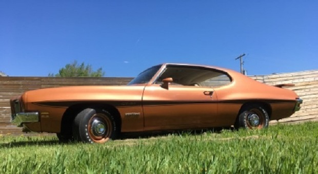 Today's Cool Car Find is this 1971 Pontiac LeMans