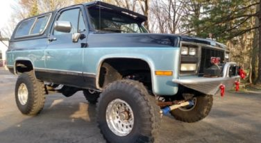 Today's Cool Car Find is this 1989 Lifted K5 GMC